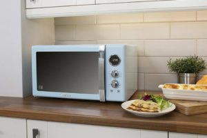 5 Important Things to Consider before Buying a Microwave