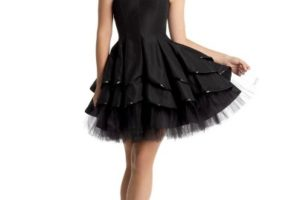 How to Accessorize Your Black Prom Dress